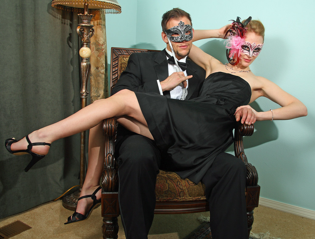 The masked couple flir...