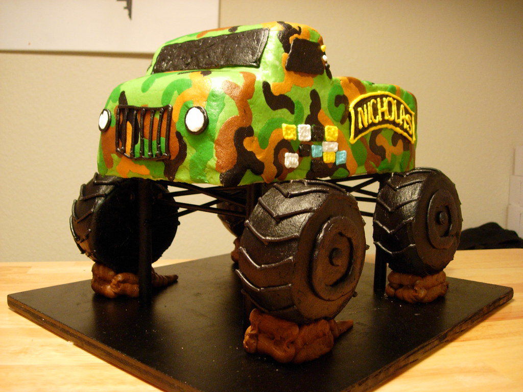 monster truck cake army truck cake angie cakes flickr 6009