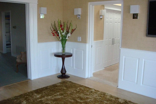 Wainscoting panel classic raised panel bedroom los angelas for Bedroom with wainscoting ideas