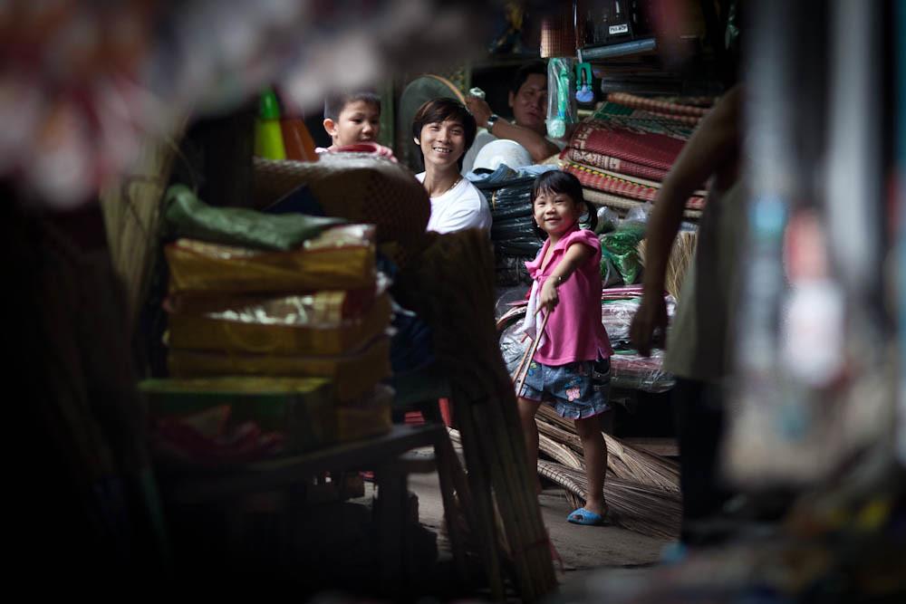 Tra Vinh Vietnam  city images : Vietnam Tra Vinh | Sur le marché de Tra Vinh, à la fermeture ...
