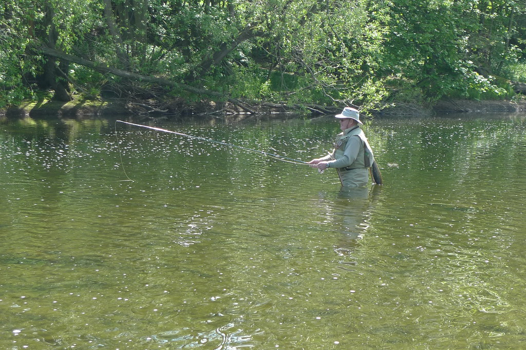 River ure bembridge brian bembridge fishing the river for Fly fishing guide jobs