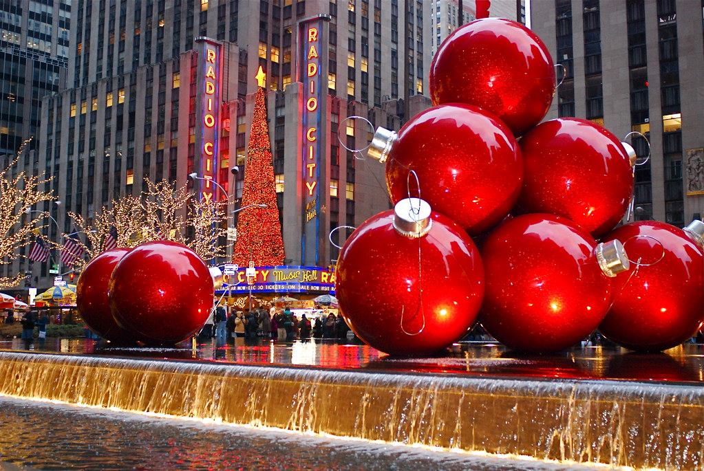 Giant red christmas ornaments at 1251 sixth avenue nyc for When does new york start decorating for christmas