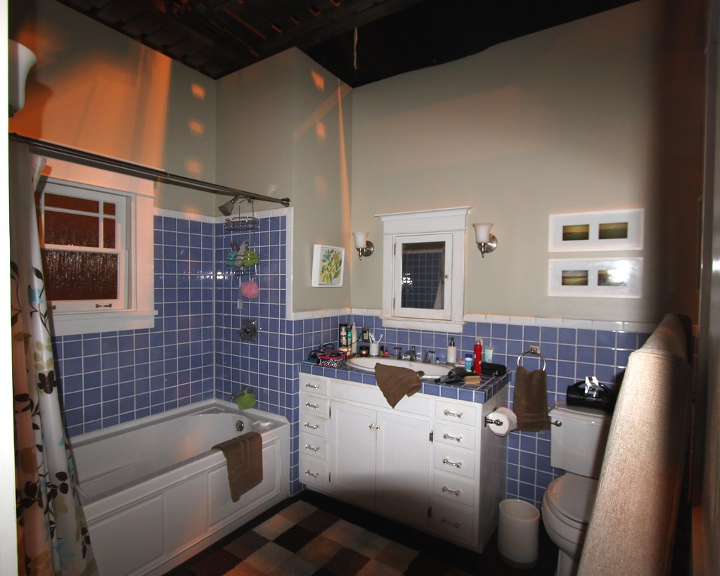 Nbc Parenthood Bathroom Tv Series Hot Set It S