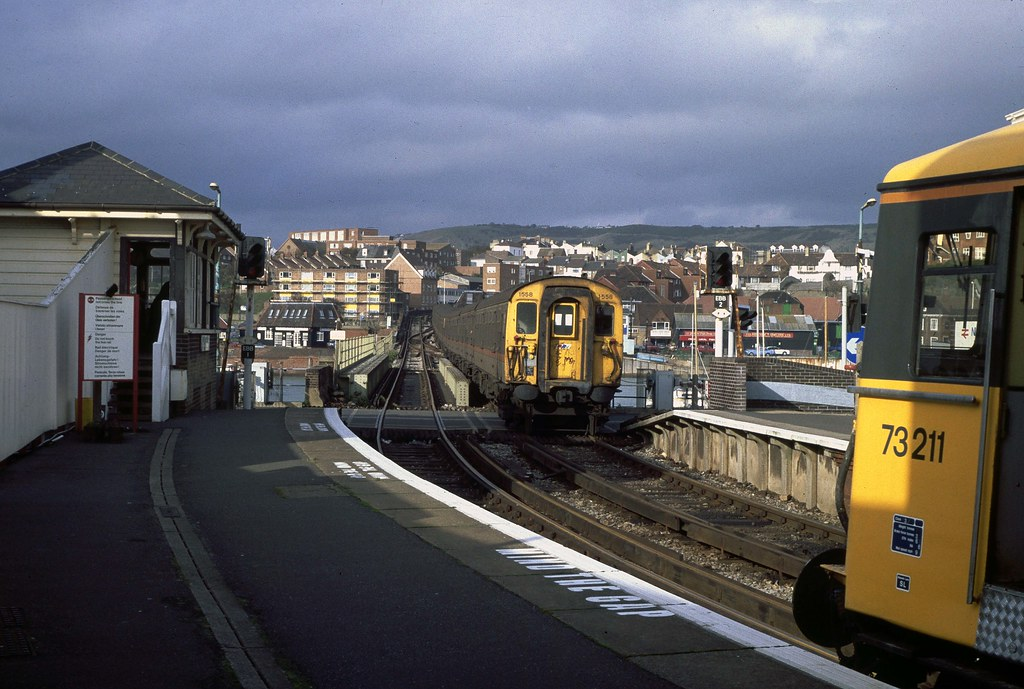 1558 Arriving At Folkestone Harbour With Ecs Class 411