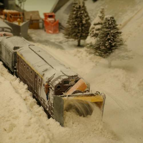 Rotary Snow Blower Ho Scale The Rotary Chews It S Way