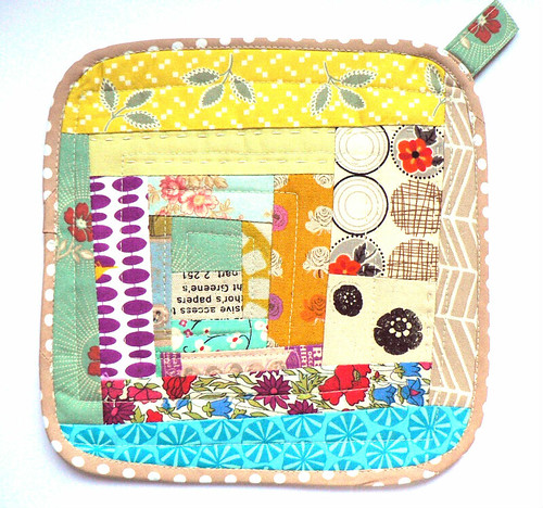 Log Cabin Potholder | by {Leila} Where Orchids Grow