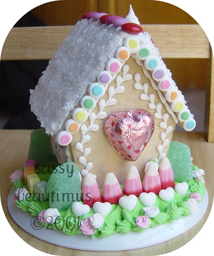 Valentine's Day Gingerbread/Sugar Cookie House, BACK | by sassybeautimus