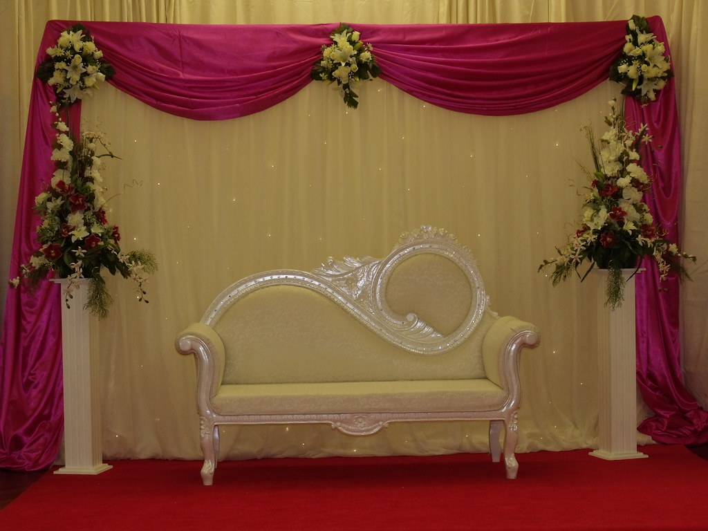 Asian wedding stage decorations asian wedding stage for Asian wedding stage decoration birmingham