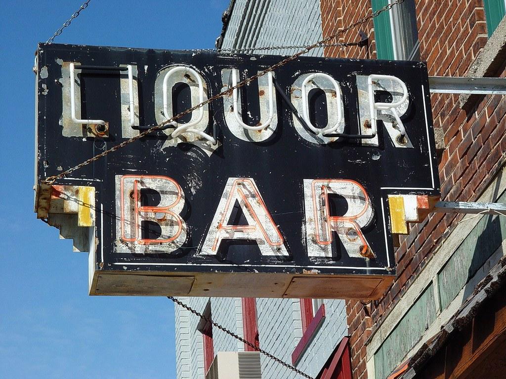 Vintage Liquor Bar Neon Sign - Ludington, Michigan