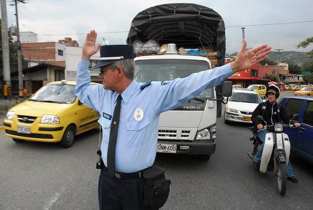Imagen de un agente de transito - Imagui