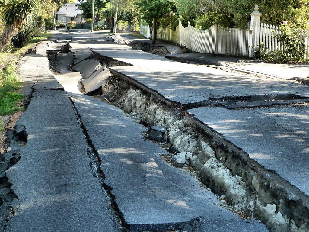 5531186000_9d0d74a00e_b Earthquake