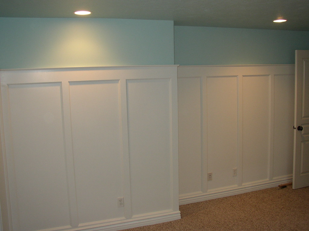 Board and batten wainscoting flat panel wainscoting in a for Dining room molding panels
