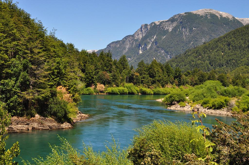 гірська річка фото