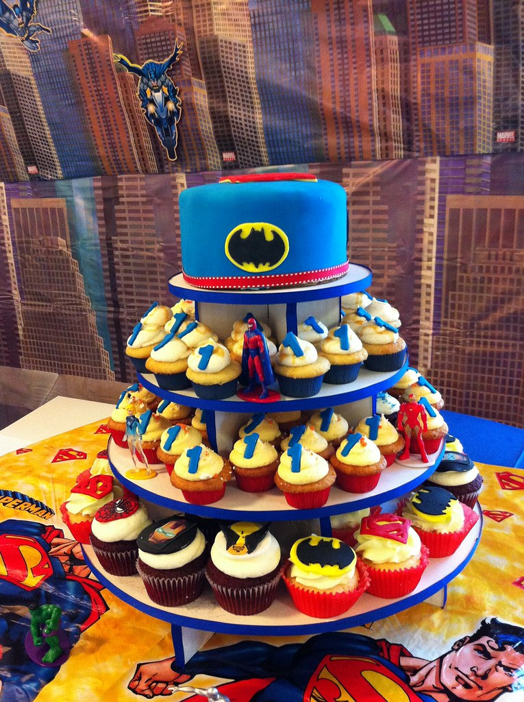 Diy Superhero Birthday Cake