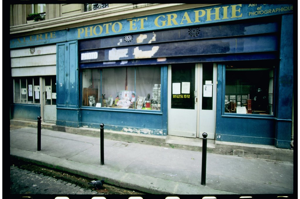 paris atmosphere old camera shop now closed canon f1 ne flickr. Black Bedroom Furniture Sets. Home Design Ideas