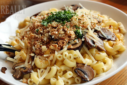 Mac And Cheese >> Noodles & Company | Truffle Mac with Baby Portabellos | Emily Hill | Flickr