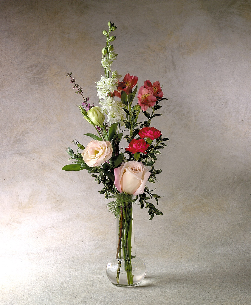 Bud vase a simple token of friendship and remembrance for Small rose flower arrangement