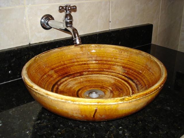 Cuba de sobrepor caramelo  Cuba de cerâmica artesanal, esma…  Flickr  Phot -> Cuba Para Banheiro Caramelo