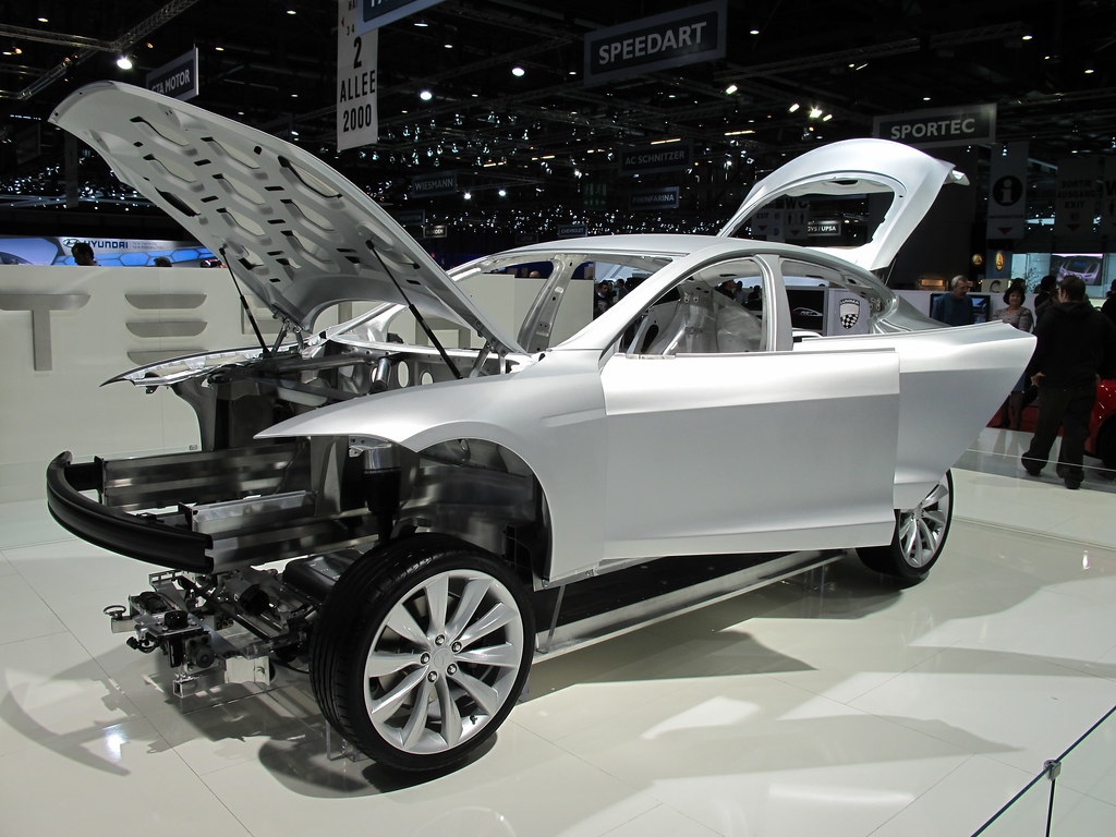Tesla Model S Chassis Fail This Isn T The De Tomaso