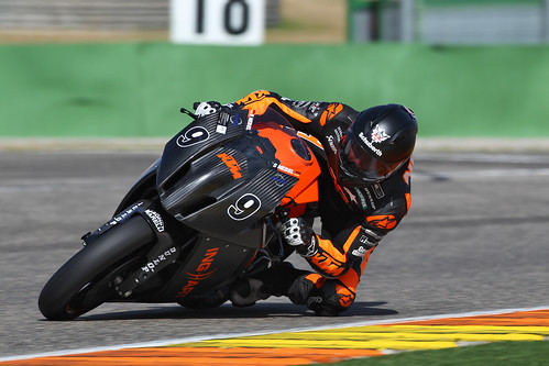 Stefan Nebel in Valencia with SR1 | by Schuberth GmbH