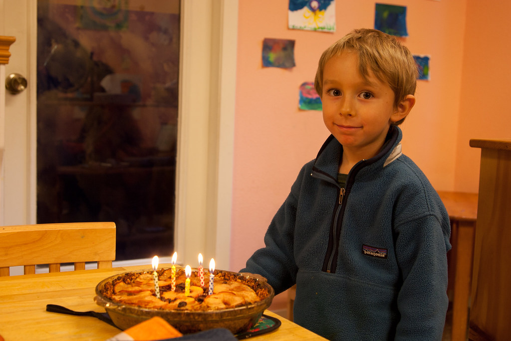 Casper's 5th b-day apple pie