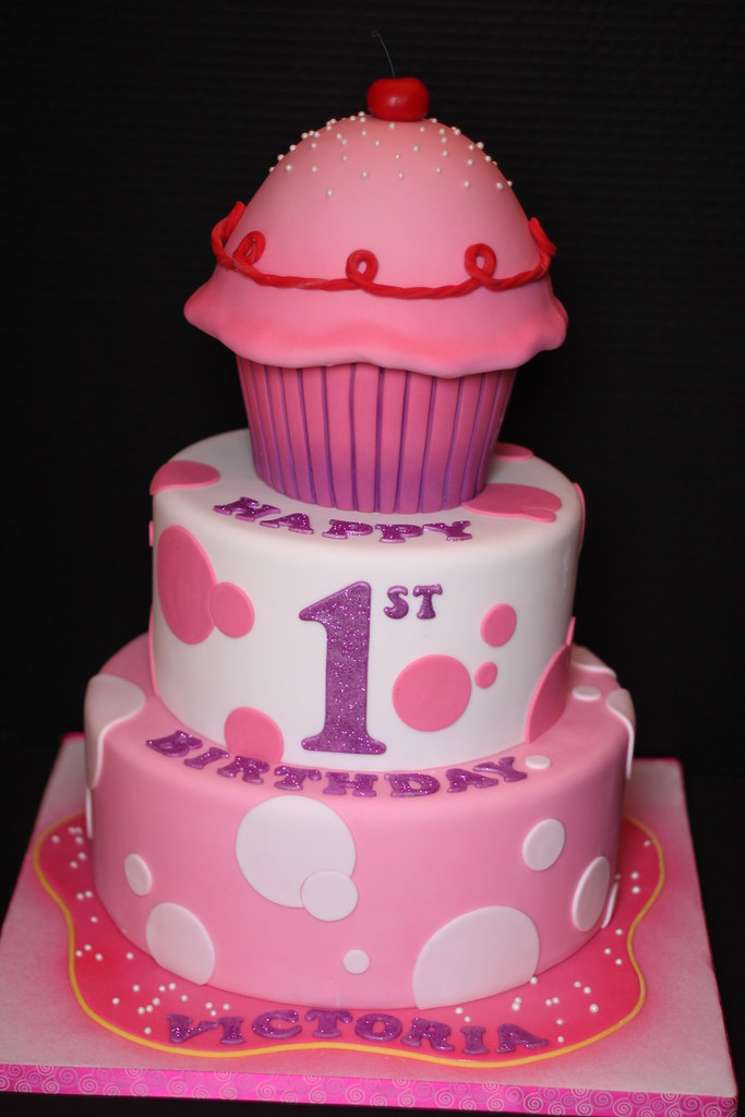 birthday cupcake ideas pinkalicious birthday cake andrea sullivan flickr 31587