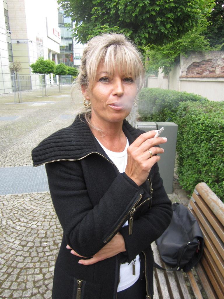 Smoking Vera 13  Muryru2  Flickr-3418