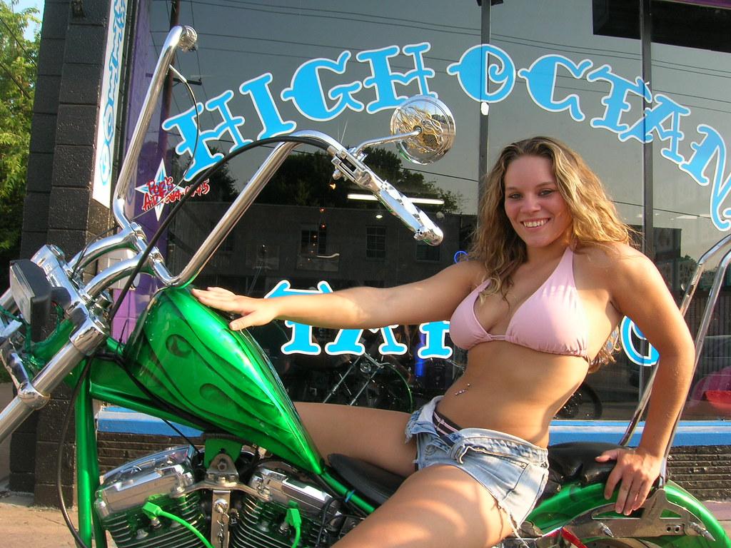 Hot Bikerbabes Nude Images