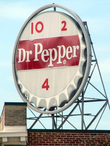 Roanoke's Vintage Dr. Pepper sign in the day | by SeeMidTN.com (aka Brent)
