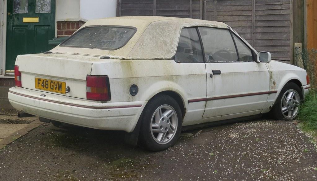 1988 ford escort xr3i cabriolet seen in reigate surrey t flickr. Black Bedroom Furniture Sets. Home Design Ideas
