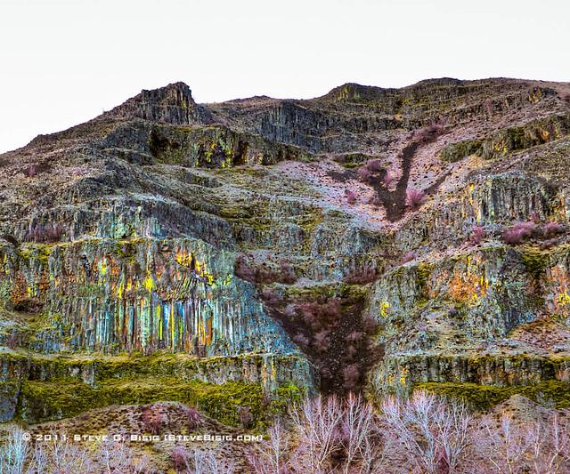 Rock formations along the yakima river canyon kittitas for Landscaping rocks yakima