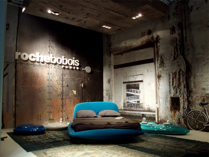 Roche Bobois old warehouse theme  with a nice fibre glass c…  Flickr -> Roche Bobois A Vendre Nice