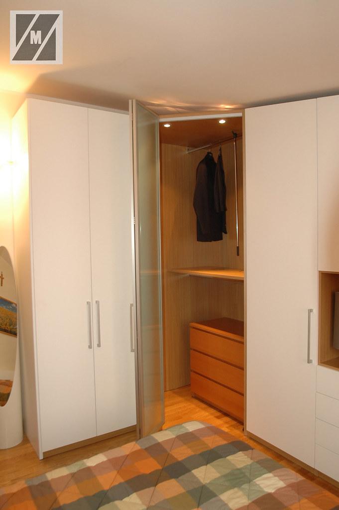 Armadio angolare per mansarda armadio con angolo cabina ar flickr - Armadio con cabina angolare ...