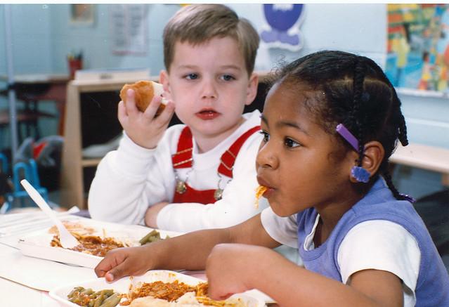 2-kids-eating | Flickr - Photo Sharing!