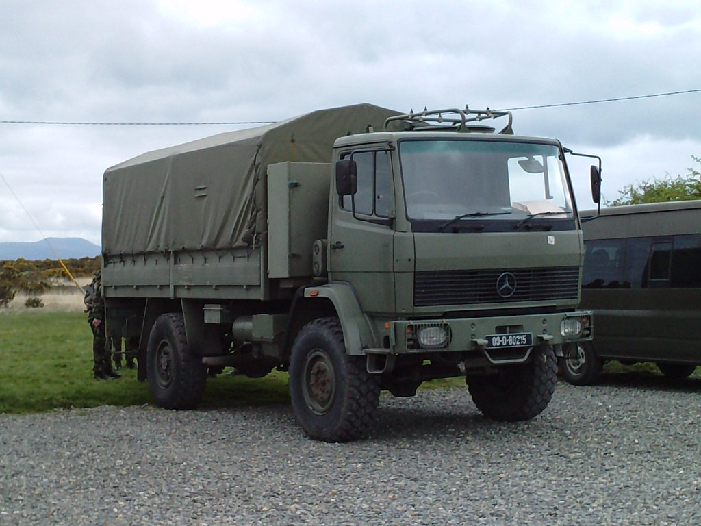 Irish defence forces mercedes benz 1117 4x4 truck tcv for Mercedes benz truck 4x4