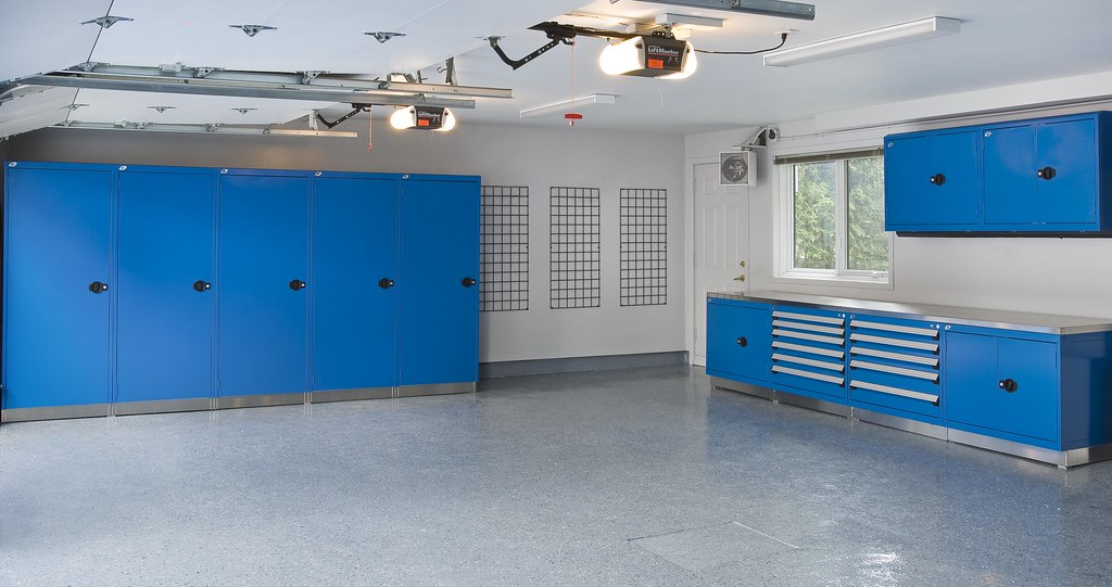 Garage Rousseau : espace garage plus rousseau steel cabinets flickr ~ Gottalentnigeria.com Avis de Voitures