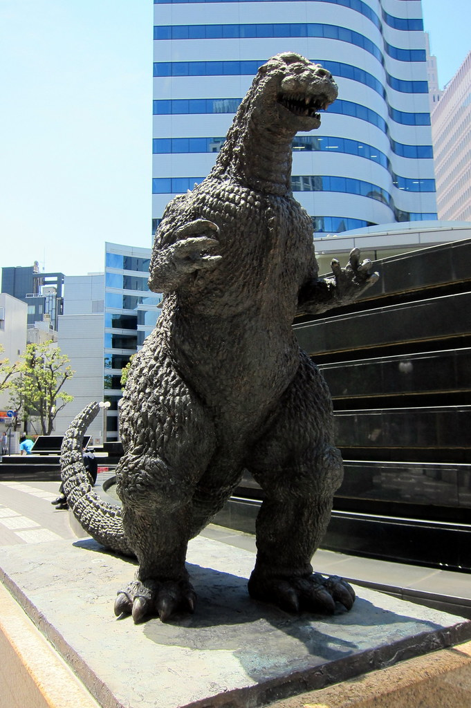 Tokyo - Yūrakuchō: Godzilla statue | This statue of ...