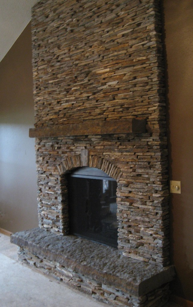 Cinnamon Bark Ledgestone | This Fireplace uses Buechel ...