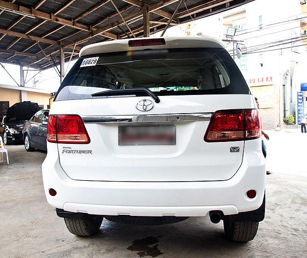 Toyota Fortuner G 4×4 – White