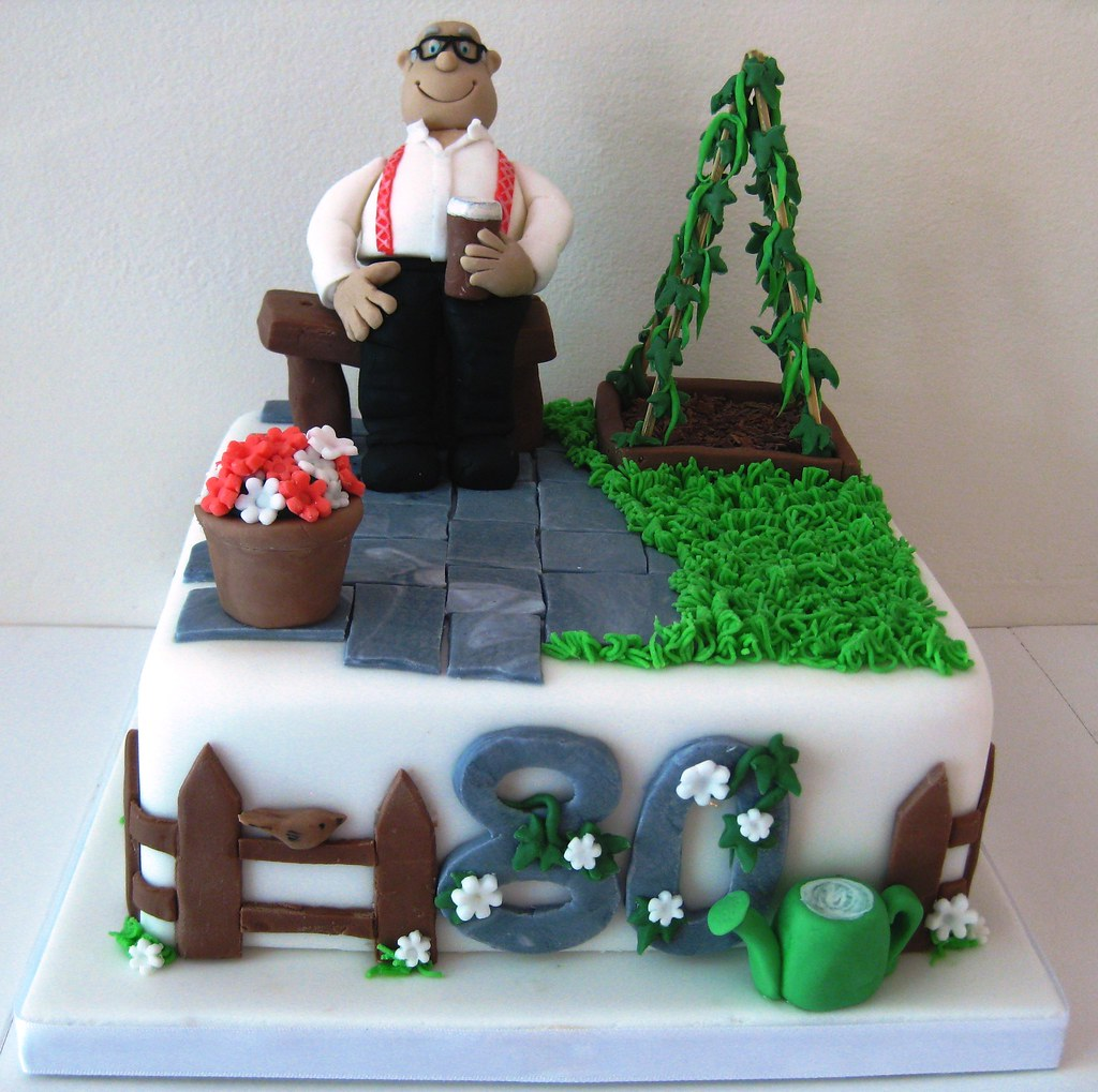Grandad 39 s 80th birthday cake it was the big 80 for my for Gardening 80th birthday cake