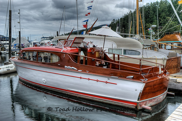 Chris craft classic boat wooden boat festival maple ba for Classic chris craft wooden boats