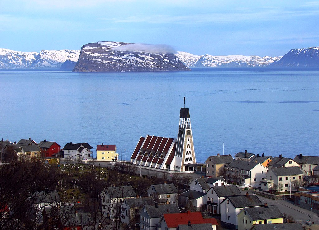 Hammerfest Norway  city photos gallery : Hammerfest Kirke, Hammerfest, Norway | The design of the chu ...