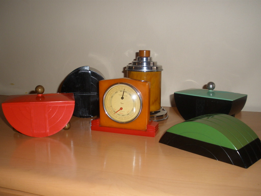 Art deco bakelite and catalin objects here 39 s an assortment flickr - Marokkaans deco object ...