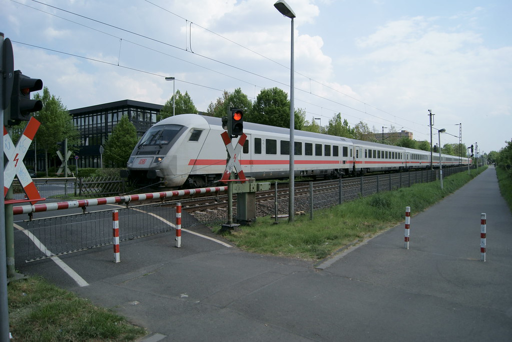 Ic In Bonn Friesdorf De Ein Intercity Der Db