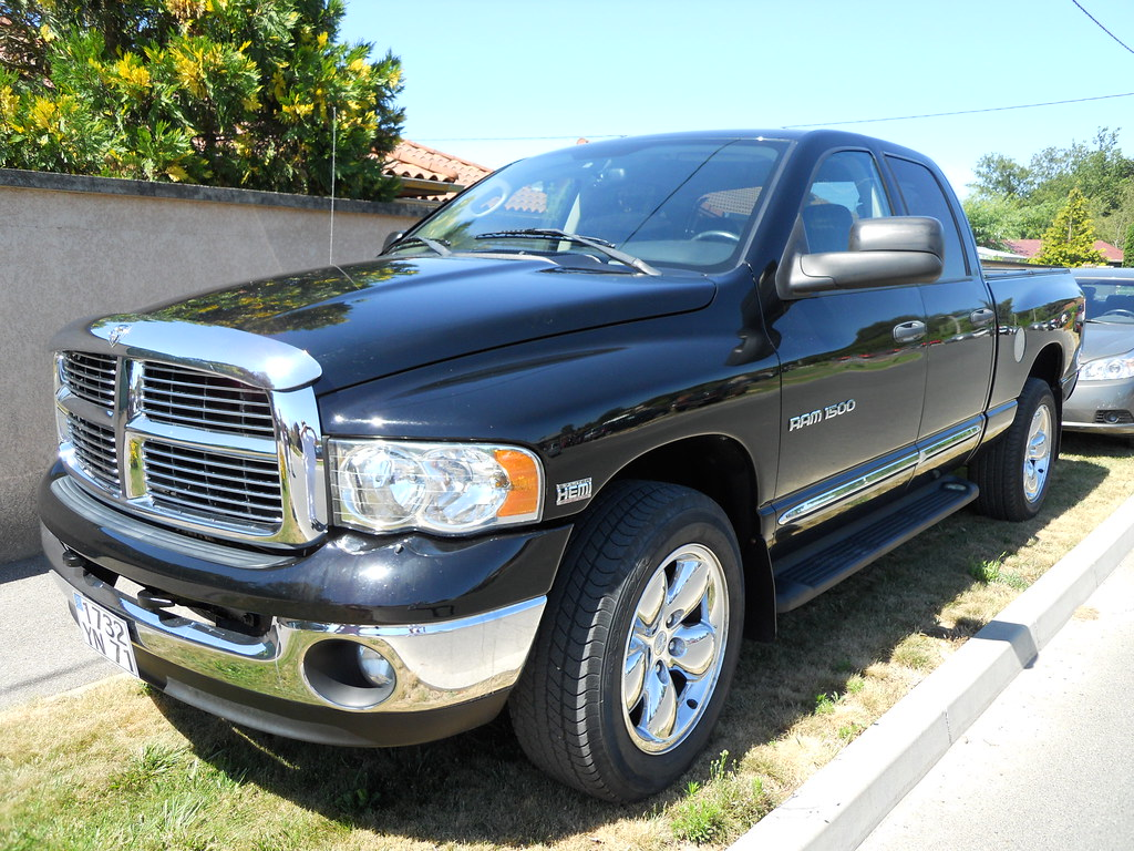dodge ram 1500 v8 hemi 5 7l magnum comments are welcome flickr. Black Bedroom Furniture Sets. Home Design Ideas