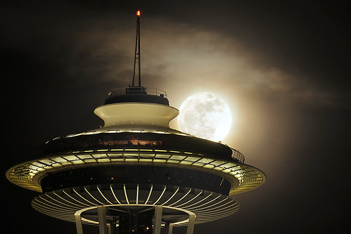 The Supermoon and Needle | by Pablo Conrad Photography