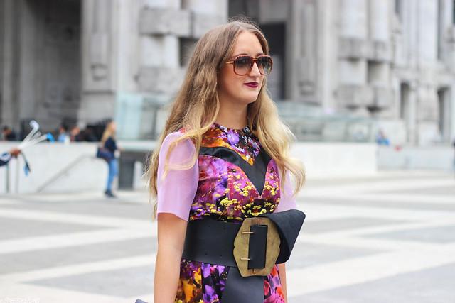milan-fashion-week-with-rebekka-ruétz-details-side-wmbg