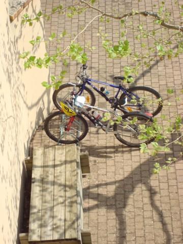 Garage v lo maison du parc du pilat for Garage du park mouans sartoux