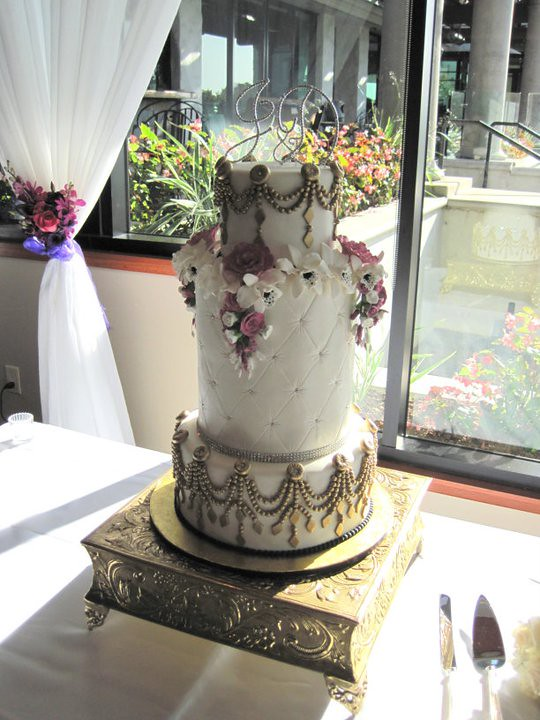 gold bling for wedding cakes gold and bling wedding cake three tier all fondant 14746