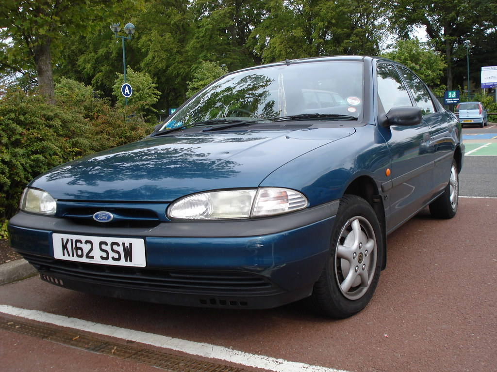 1993 ford mondeo 1 8 lx a k plate mondeo is now a rare sig flickr. Black Bedroom Furniture Sets. Home Design Ideas